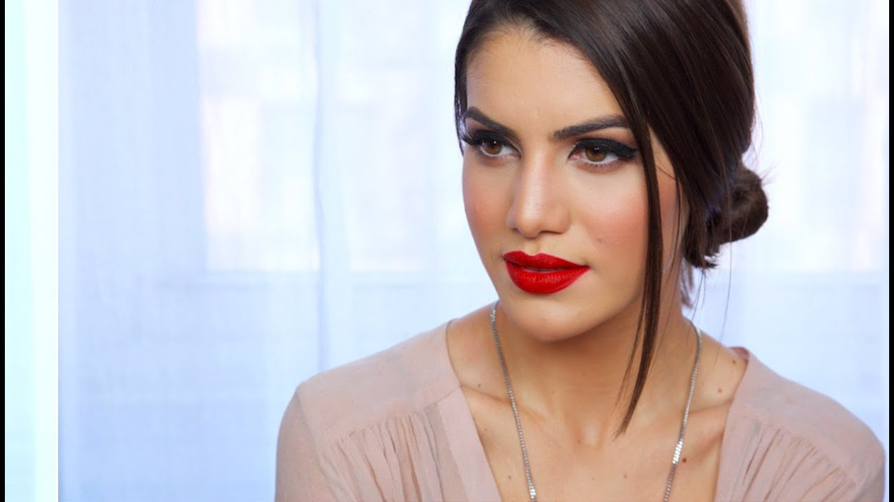 Easy Classic Red Lip Makeup Look | Makeup Tutorials And Beauty Reviews | Camila Coelho - YouTube