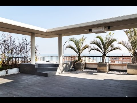 Luxury seafront penthouse for sale on Playa de la Patacona, Valencia / Ref: VAL1672
