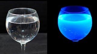 НЕРЕАЛЬНЫЙ ТРЮК с ВОДОЙ, КОТОРЫЙ ВАС УДИВИТ!│Эксперименты(В этом видео вы увидите эксперимент с водой, а так же как сделать светящуюся жидкость и швепс под ультрафиол..., 2015-11-23T13:00:00.000Z)