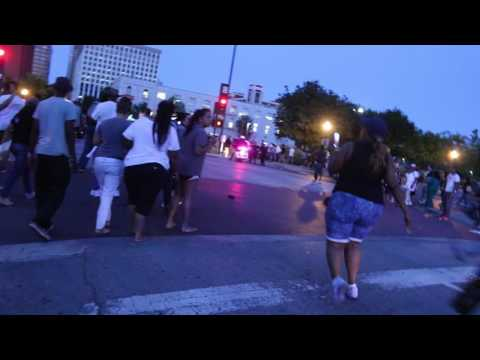 Dallas shooting video first shots crowd reaction. REAL FOOTAGE
