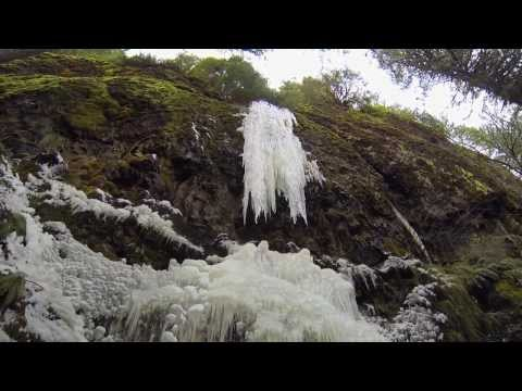 Weekend adventure hiking in icy conditions in Oregon