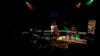 Ildo Nandja Trio - Royal Blue