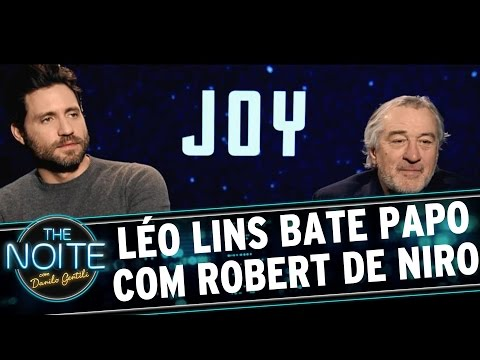 The Noite (23/12/15) - Léo Lins Entrevista Elenco De
