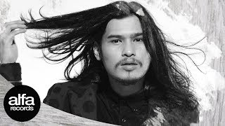 Virzha - Jangan Simpan Rindu [Official Video Lirik]