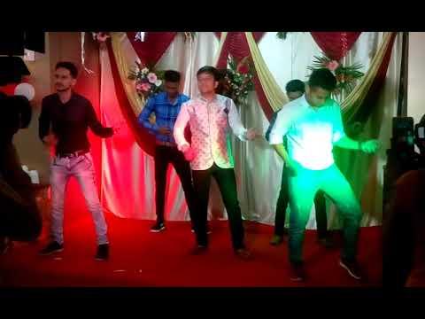 Kala chashma Wedding dance - aashiq surrender hua -  full energy groom bollywood dance 2017