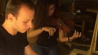 Жители Владикавказа сыграли на скрипке и фортепиано мелодию из «Игры престолов»