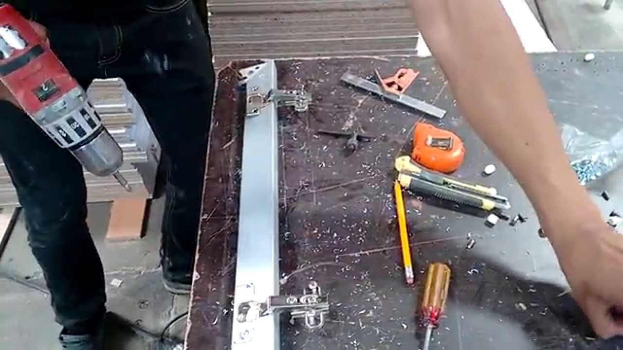 bisagras en puertas de aluminio - YouTube