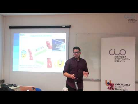 "IV Ciclo Webinars-""Building Innovative Data Products in a Banking Environment"" por Heribert Valero"