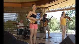 Video Bluegrass and Scottish Music - Melissa Cox and Mythica download MP3, 3GP, MP4, WEBM, AVI, FLV Januari 2018