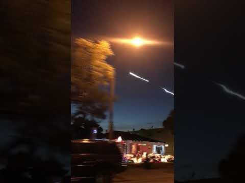 Missile over Santa Monica today 12/22/2017 ( Falcon 9)