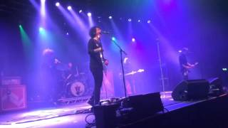 at the drive in one armed scissor live london roundhouse 27 3 16