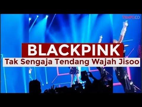 Jennie Tak Sengaja Tendang Wajah Jisoo di Konser BLACKPINK Jakarta