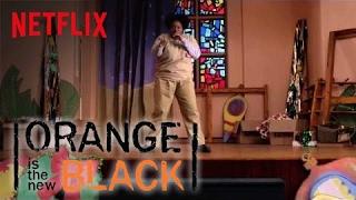 Repeat youtube video Orange Is The New Black | Happy Holidays - Black Cindy Beatbox - FULL VERSION [HD] | Netflix