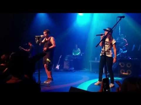 Jack Parow ft. Janie Bay - Veilig (Live)