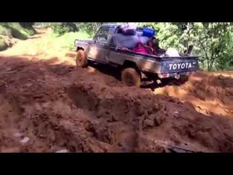 Driving in Menyamya Papua New Guinea 3