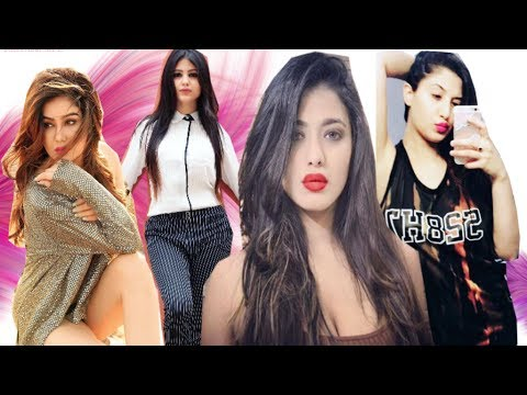 Top 10 Indian Models On Instagram You Should Follow
