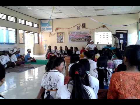 Kirtanam Suksma Hyang Widhi ( Dek Ulik ) Muda Mudi Yowana Satwika Jaya SMAN 1 BANJAR MARGO