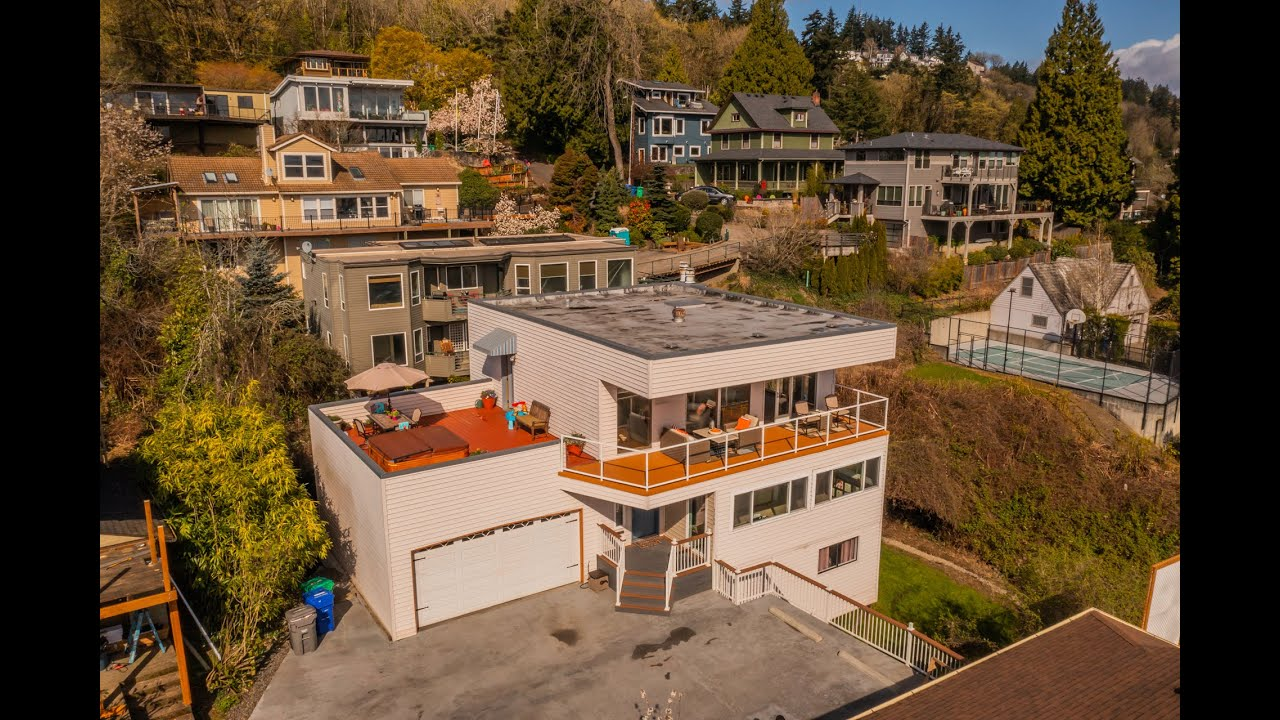 7146 S Laview Dr. Portland, OR