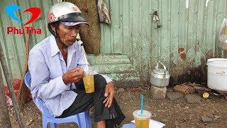 Người cha lam lũ chạy xe ôm kiếm tiền mua cơm cho con - PhuTha