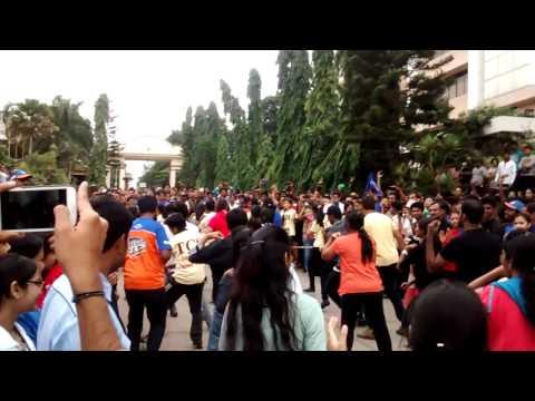 TCS Flashmob - Run with the Leader 2015
