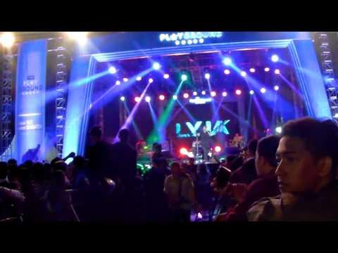 Suasana Konser Musik The Playground HUT Tulungagung 812 (GOR Lembupeteng, 11-11-2017)