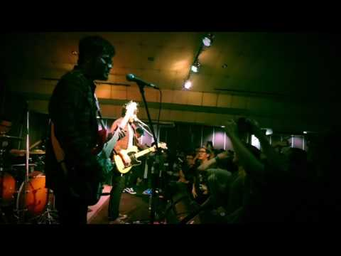 eleventwelfth - Your Head As My Favourite Bookstore (Live)