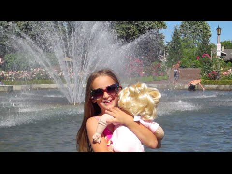 VLOG: Playing In The Fountain Portland Oregon