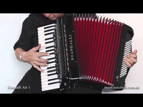 Scandalli Air 1 accordion demonstration