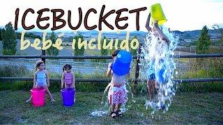 Ice bucket challenge, bebé incluido - ELA reto del cubo de agua helada thumbnail