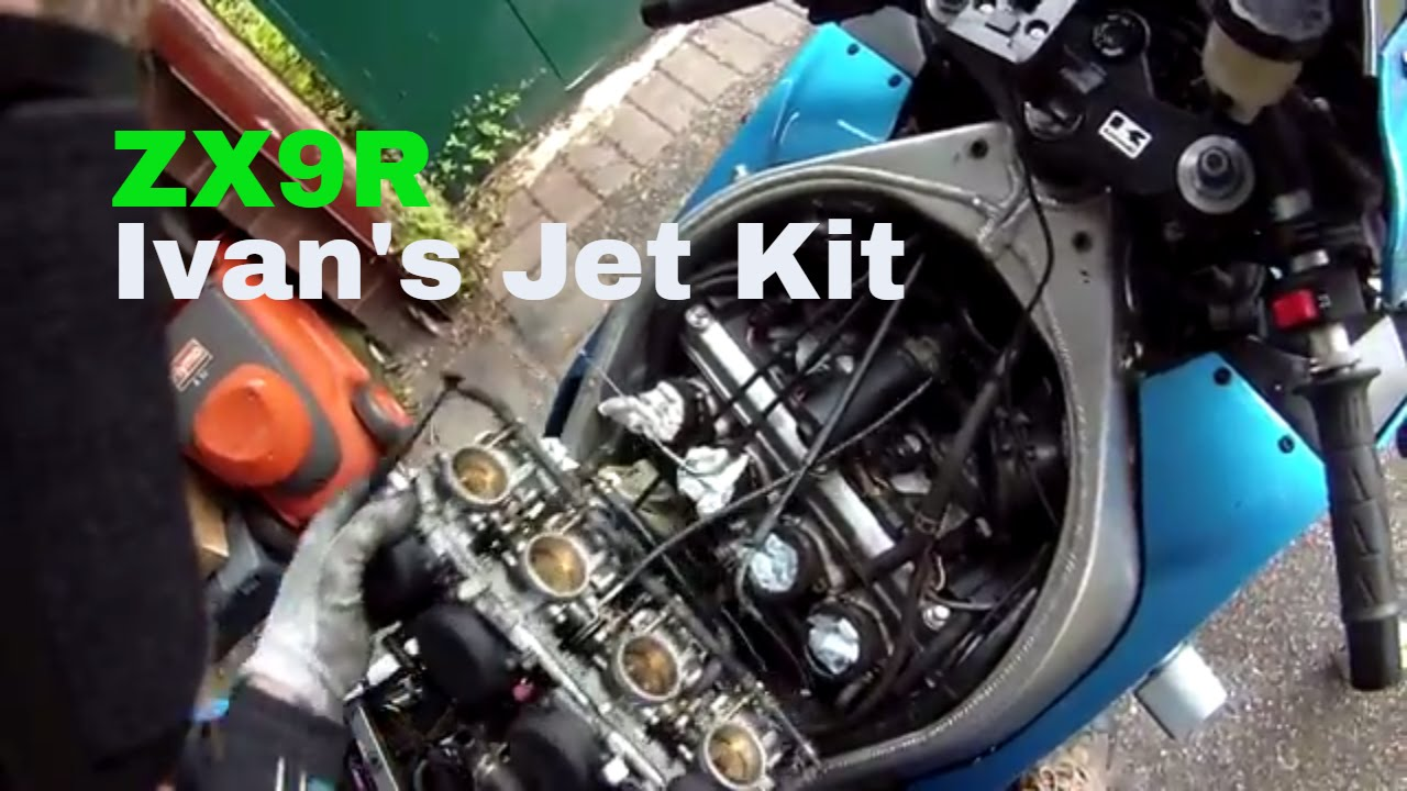 ZX9R {F} Ivan's jet kit  Part one, Removing the carbs