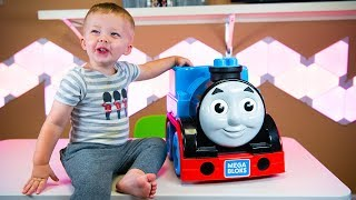 Thomas and Friends Fun Kid Toys Blind Bags & Surprise Eggs for Boys with Isaac Kinder Playtime