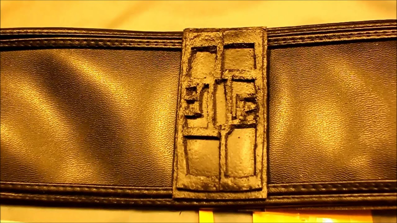 how to make a belt buckle for a costume