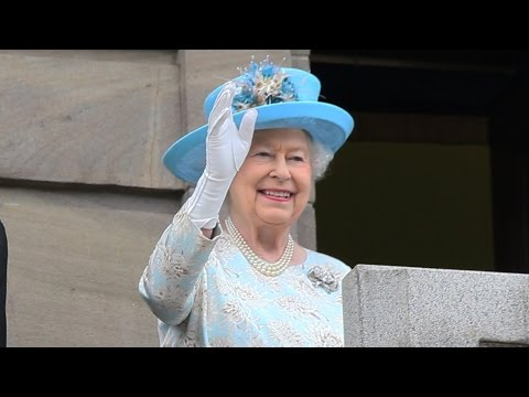 Queen Elizabeth & Prince Philip - Dundee City Chambers - 06/07/2016 - Royal Visit
