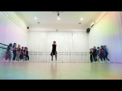 Zara Leola - Move it a dream