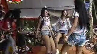 Video Dangdut Koplo Hot Mabok Racikan Oplosan - Edot~Arie~Tata - D' Angels download MP3, 3GP, MP4, WEBM, AVI, FLV November 2017