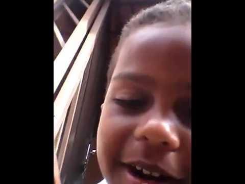 Rian Cantando Nova Versão de Bebi Chorei...