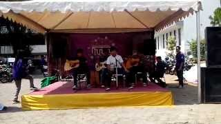 Rocket Rockers -  Kehilangan (Acoustic Cover By Pokar Kost)