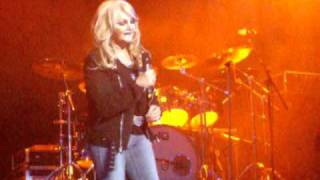 Bonnie Tyler- Holding out for a Hero at Newcastle City Hall