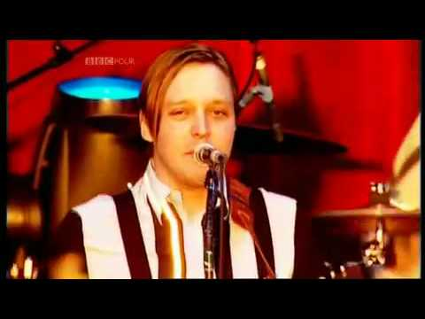 Arcade Fire - Keep the car running (subtitulada)