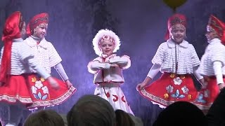 00230 Maslenitsa russian dance Масленица русский танец