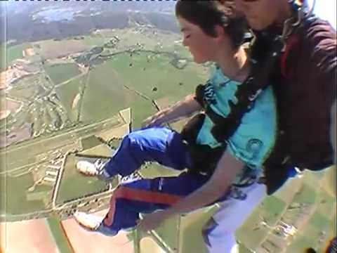 14 year old Skydiver
