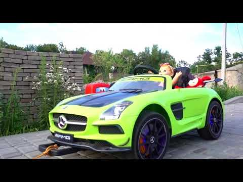Funny kids Max and baby doll ride on power wheels / The car ran out of petrol Max helps the Girl