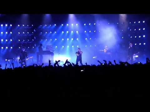 Nine Inch Nails -  Discipline (live from Sacramento)