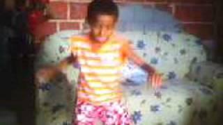 Gabriel dançando Atha Atha - Versão Marreta é Massa