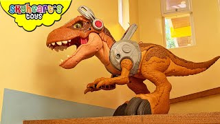 Jurassic Rex vs. Mighty Megasaurs! Skyheart's Toys - Dinosaur Fight battle in the house trex toys