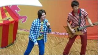 Robin - Frontside Ollie Live Espoo Sello