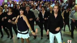 Ballo di gruppo il ballo della mamma (Mary)