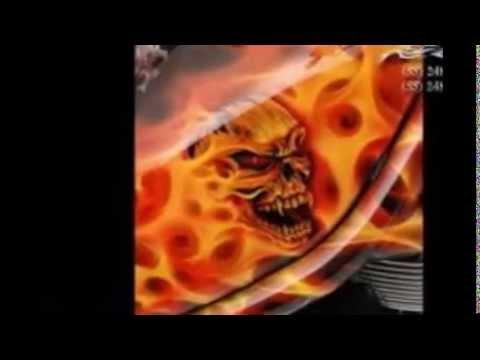 las calaveras en llamas  YouTube