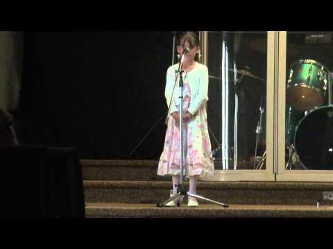 Veronica singing Hallelujah age 8