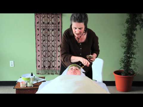 Evan Healy On Clay Mask Treatment